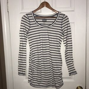Tops - OLD NAVY STRIPED WOMEN'S MATERNITY TOP